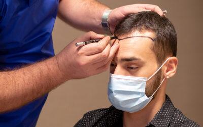 Les cheveux repousseront-ils à la place des racines prises à l'arrière du cou?